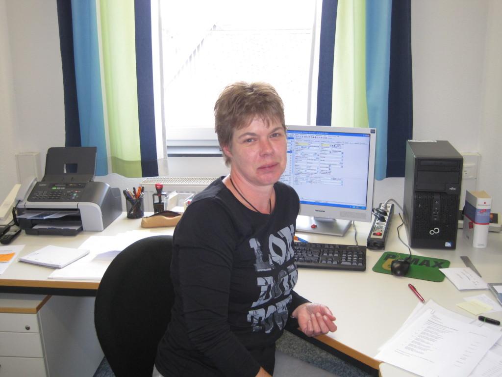 Sekretärin Frau Kramer
